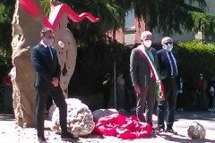 """Rotary Club Volterra - Inaugurazione  rotatoria. Opera """"Il Varco"""""""